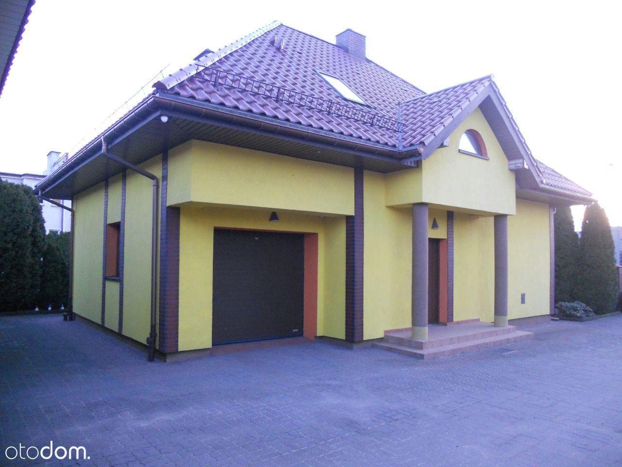 Dom jednorodzinny dwupiętrowy z garażem 169 m
