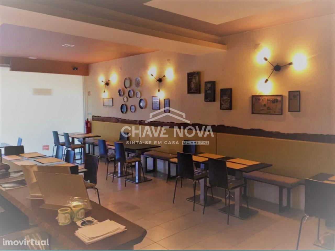 Restaurante/Churrasqueira para Trespasse no Centro de Sta. M. da Feira