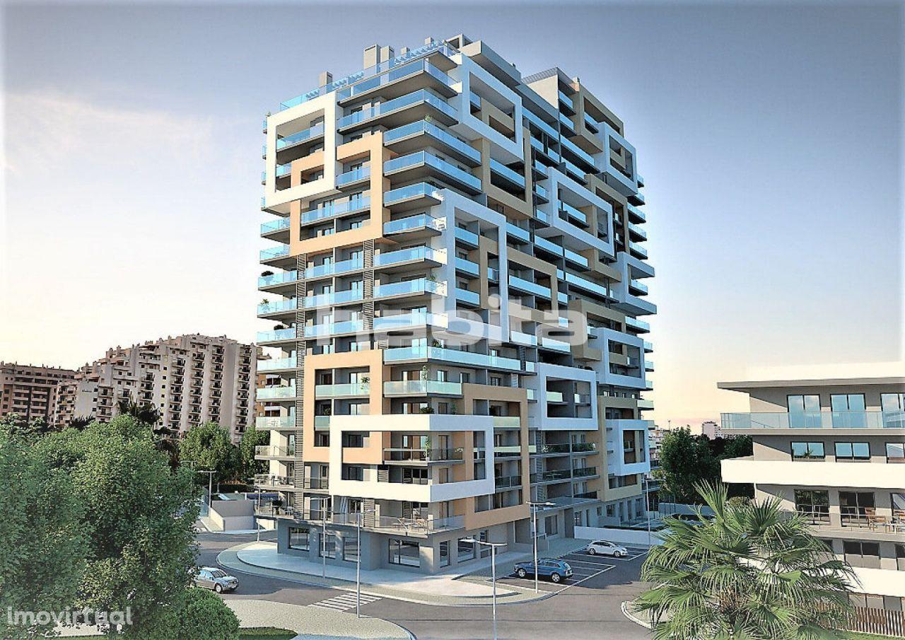 Luxurious Contemporary High-rise in Praia da Rocha