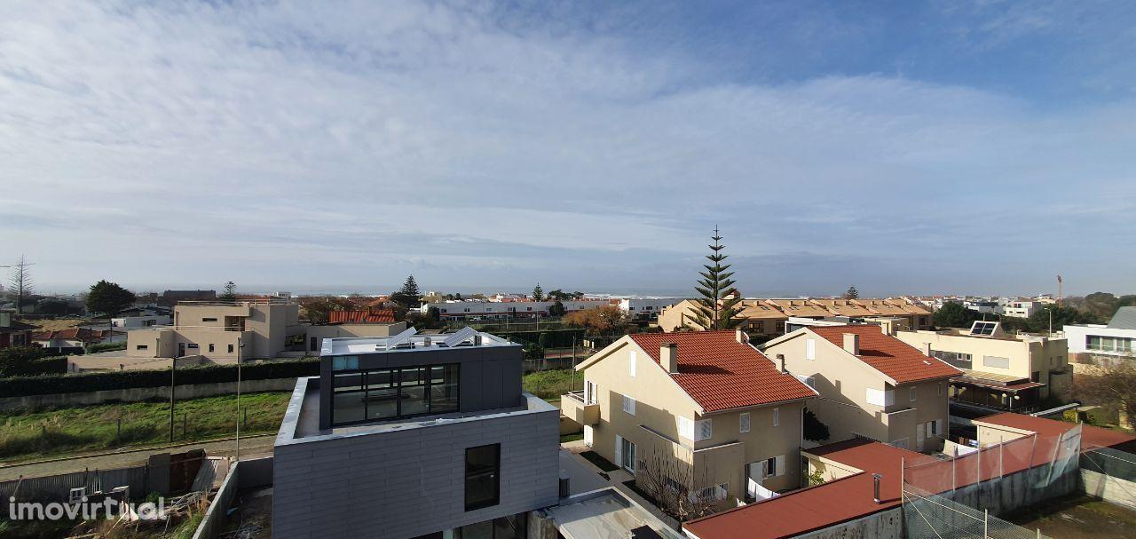 Excelente Apartamento T3 Duplex com Terraços - Praia da Miramar