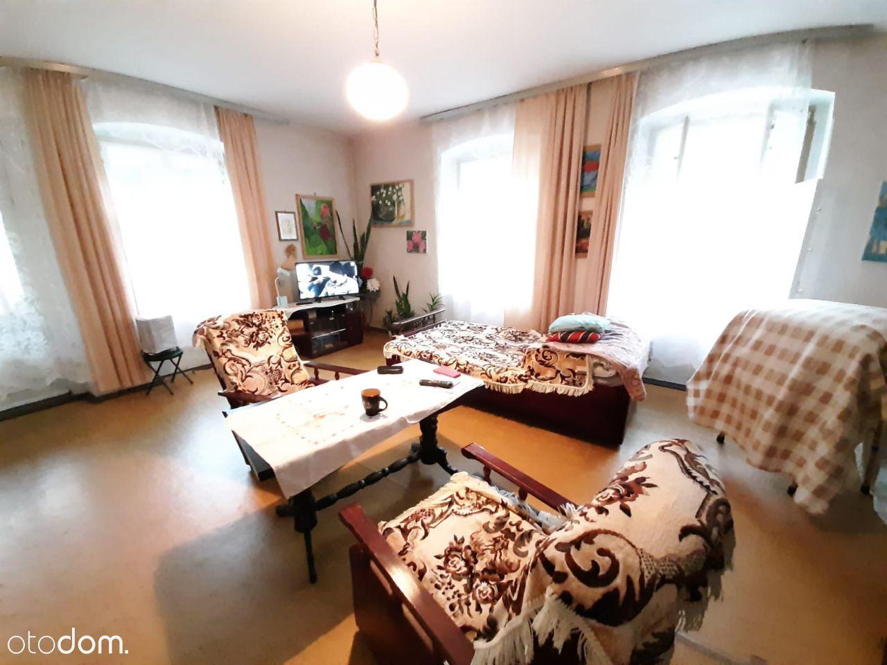 Duże mieszkanie z potencjałem w Podgórzynie .