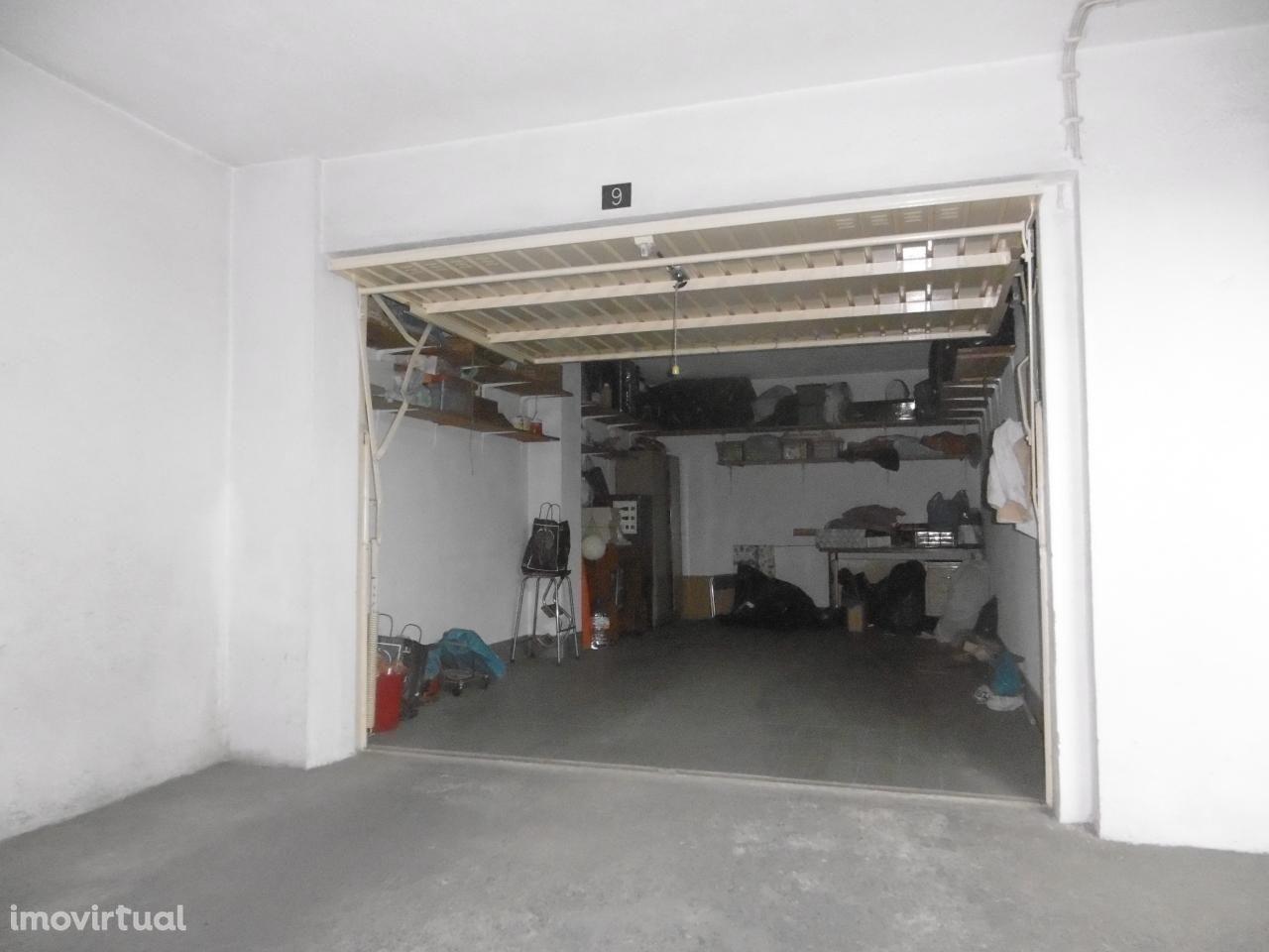 Garagem -  Barreiro Centro