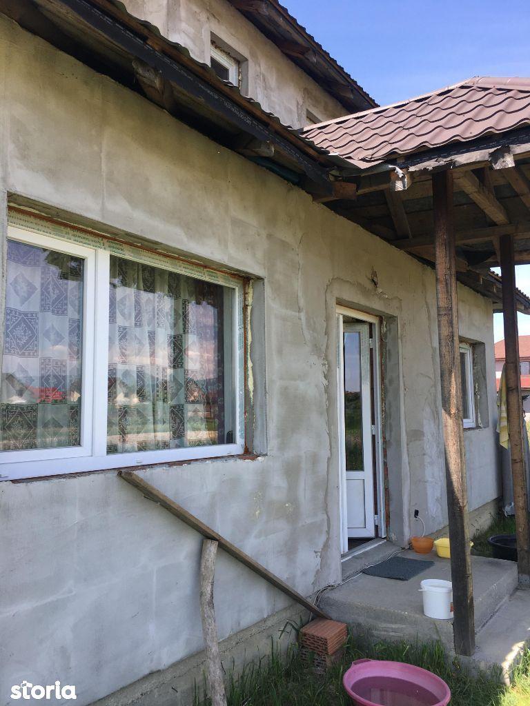 Casa Mocira P+E cu 5 ari teren pret 57.900 euro