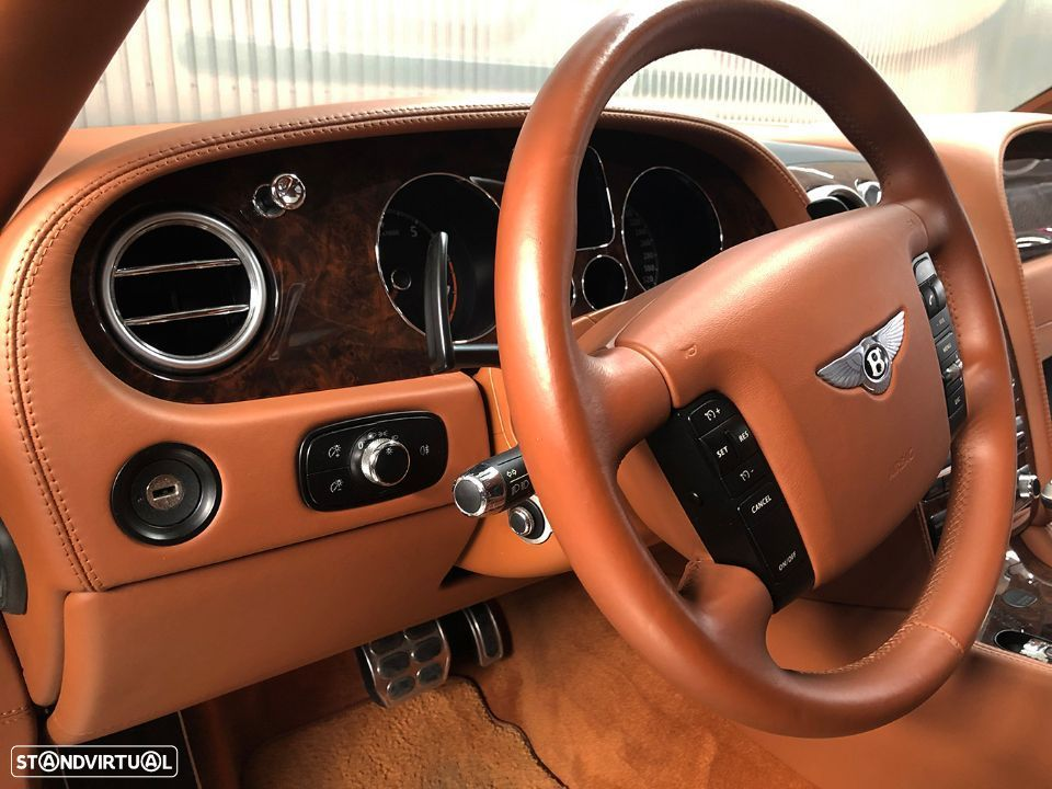 Bentley Continental Flying Spur 5 Lugares 6.0L W12 - 34