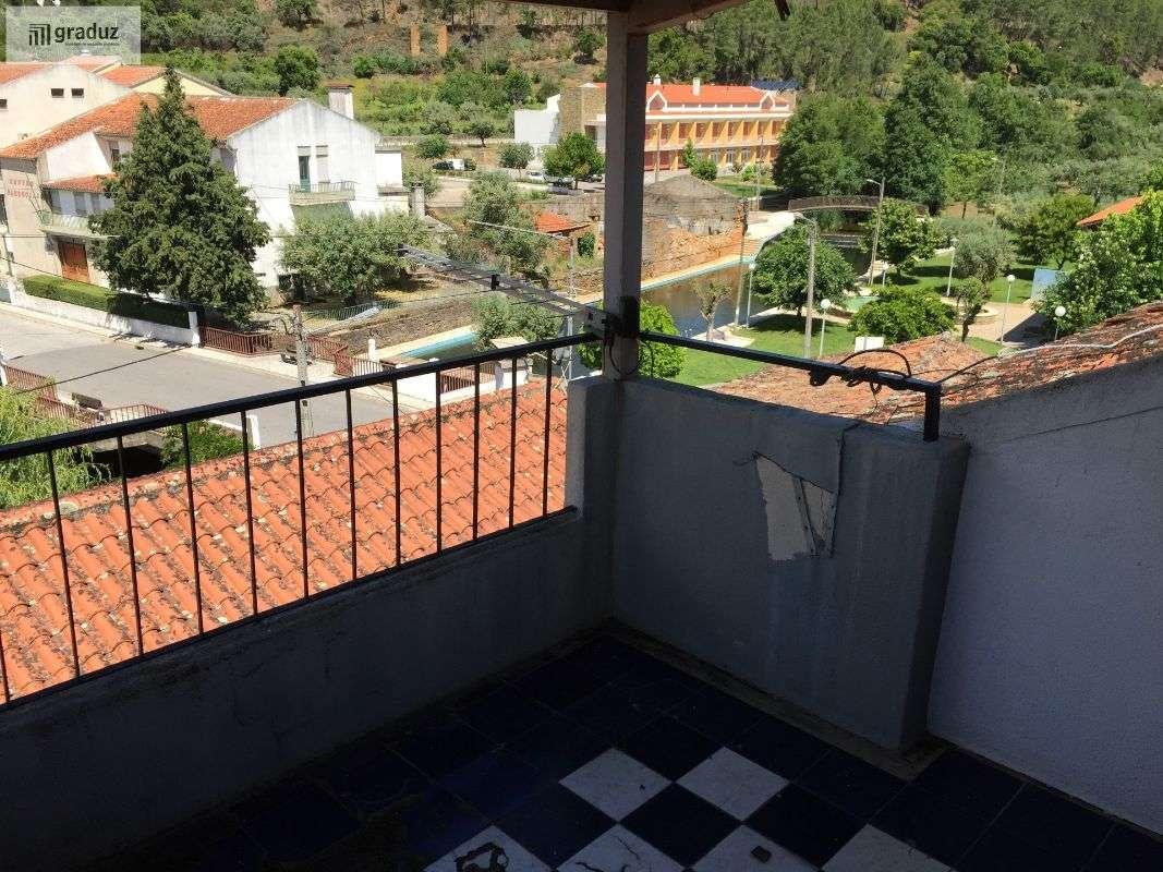 Prédio para comprar, Almaceda, Castelo Branco - Foto 17
