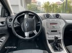 Ford Mondeo 1.8 - 13