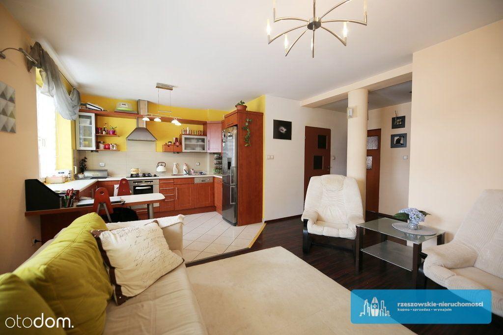 3-Pokojowe Mieszkanie W Świetnej Lokalizacji