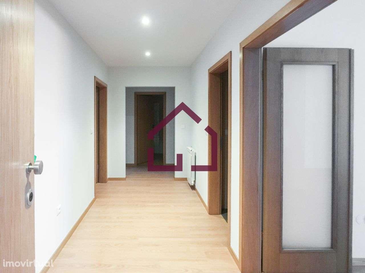 Apartamento para comprar, Oliveira de Azeméis, Santiago de Riba-Ul, Ul, Macinhata da Seixa e Madail, Aveiro - Foto 4