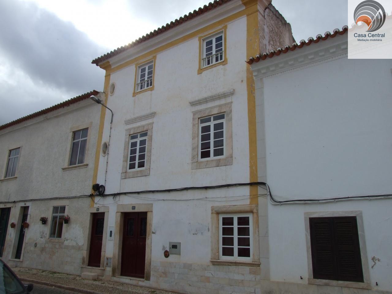 Prédio Típico Centro de Vila Viçosa