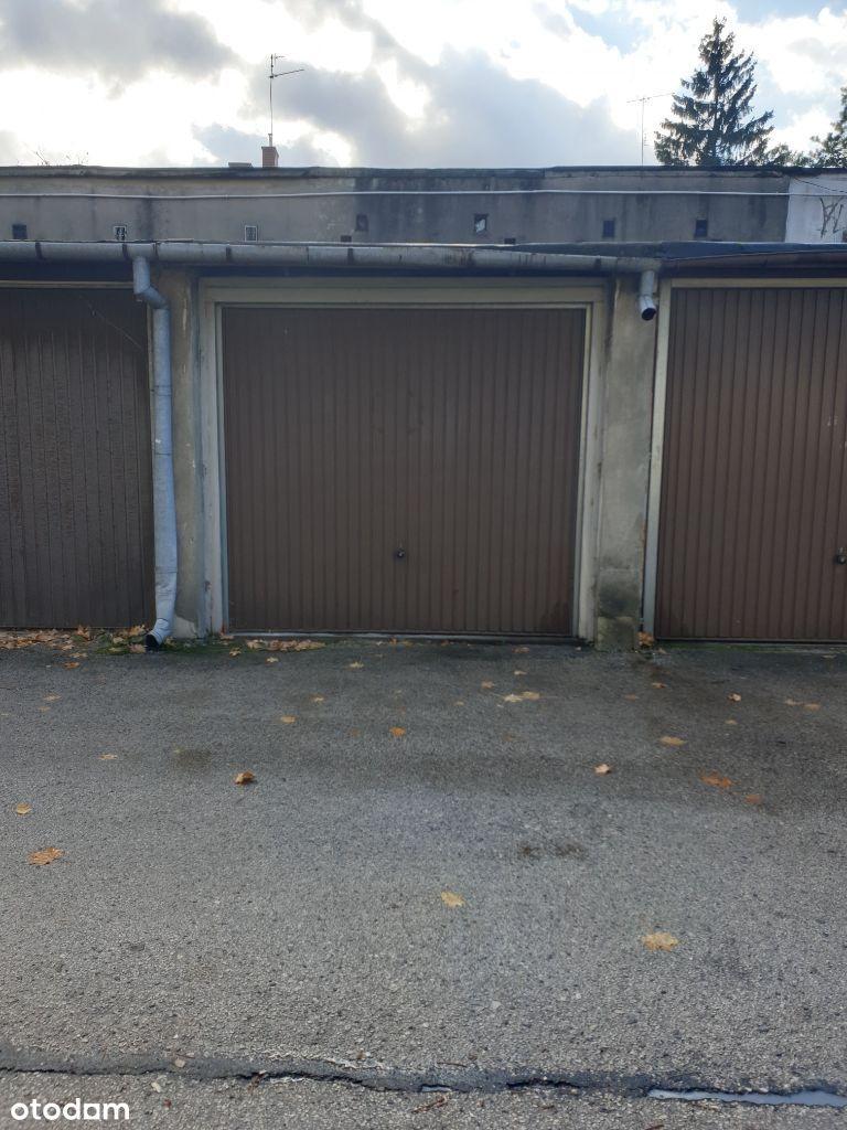 Garaż murowany Ksm