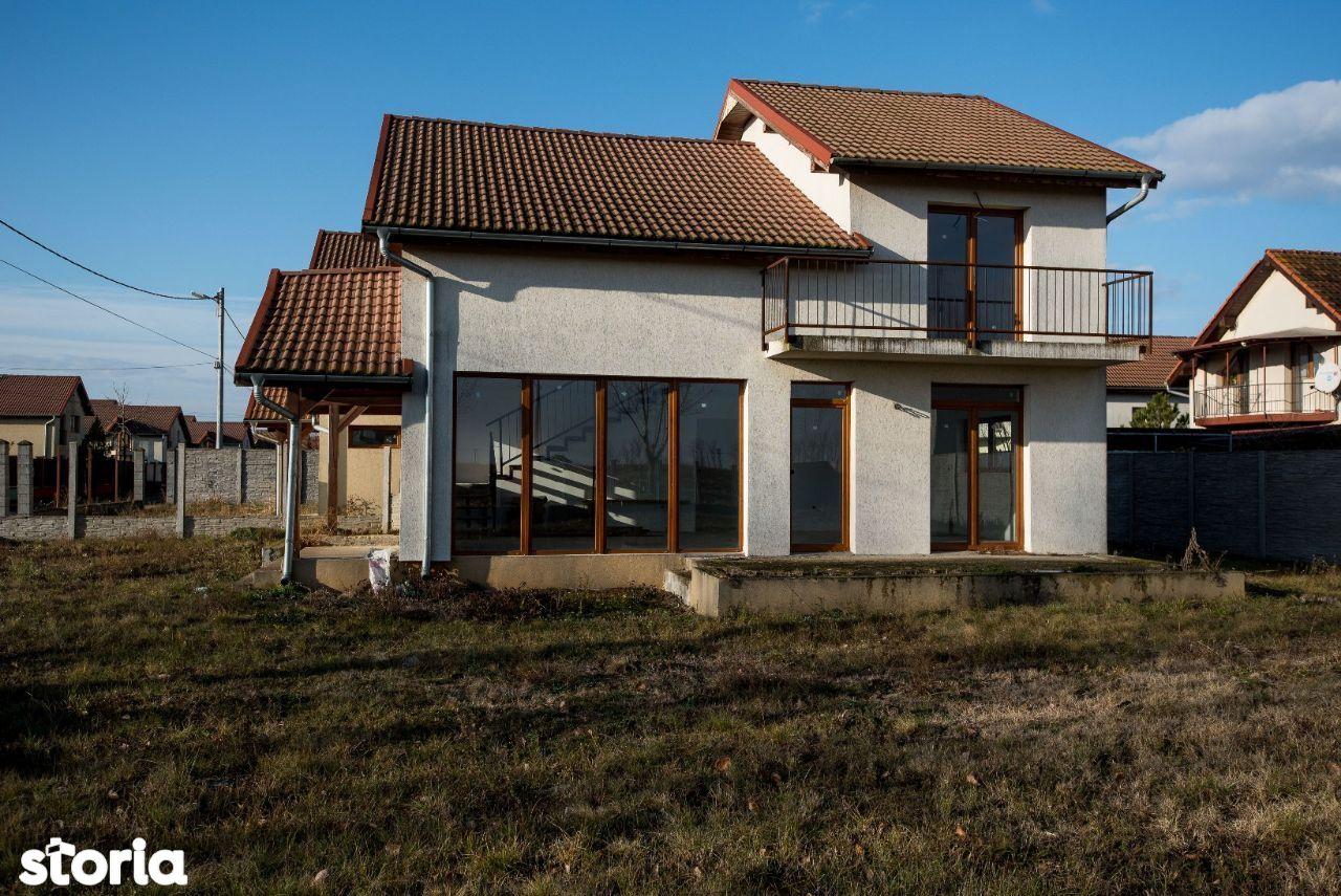 Vila Moravia, 3 dormitoare, 3 băi, teren 450 mp, la preț de apartament