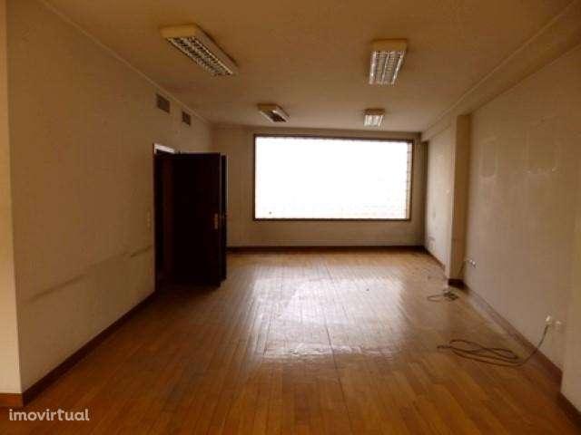 Escritório para comprar, Vila Nova de Famalicão e Calendário, Vila Nova de Famalicão, Braga - Foto 5