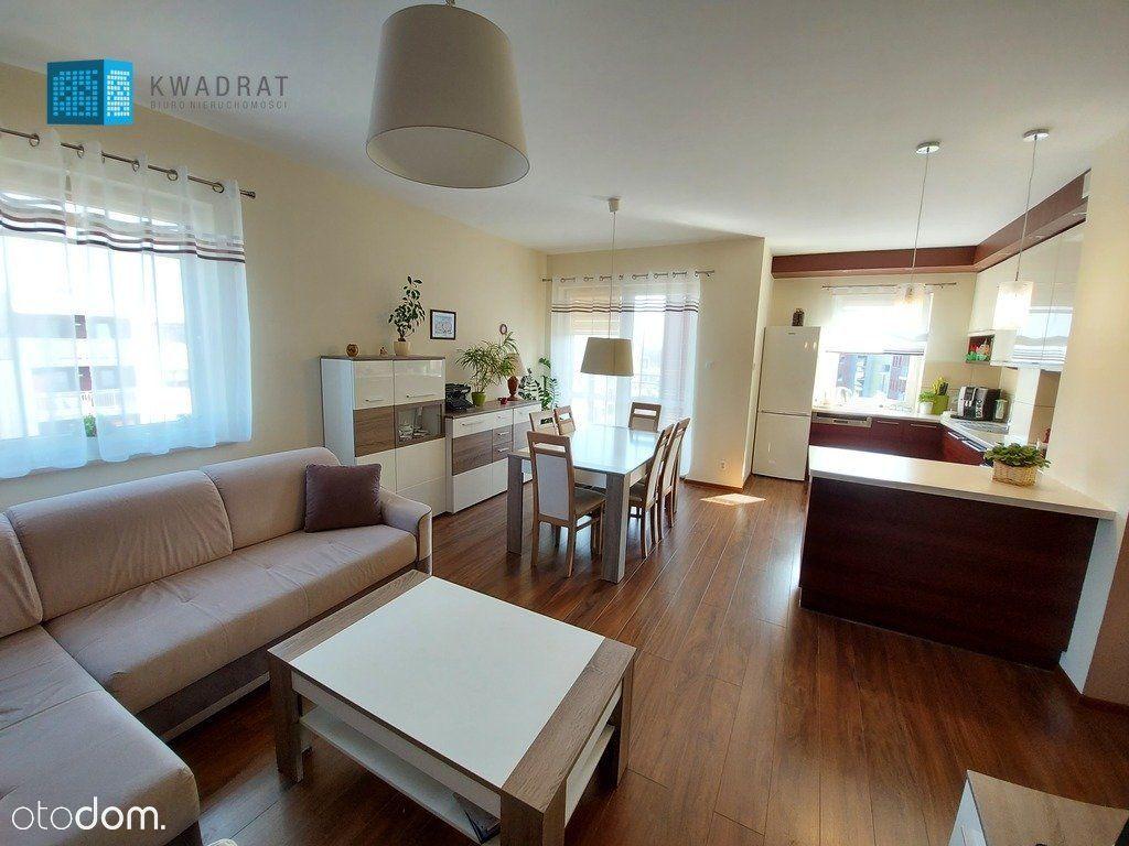 Rezerwacja Atrakcyjne 3 pokoje w apartamentowcu