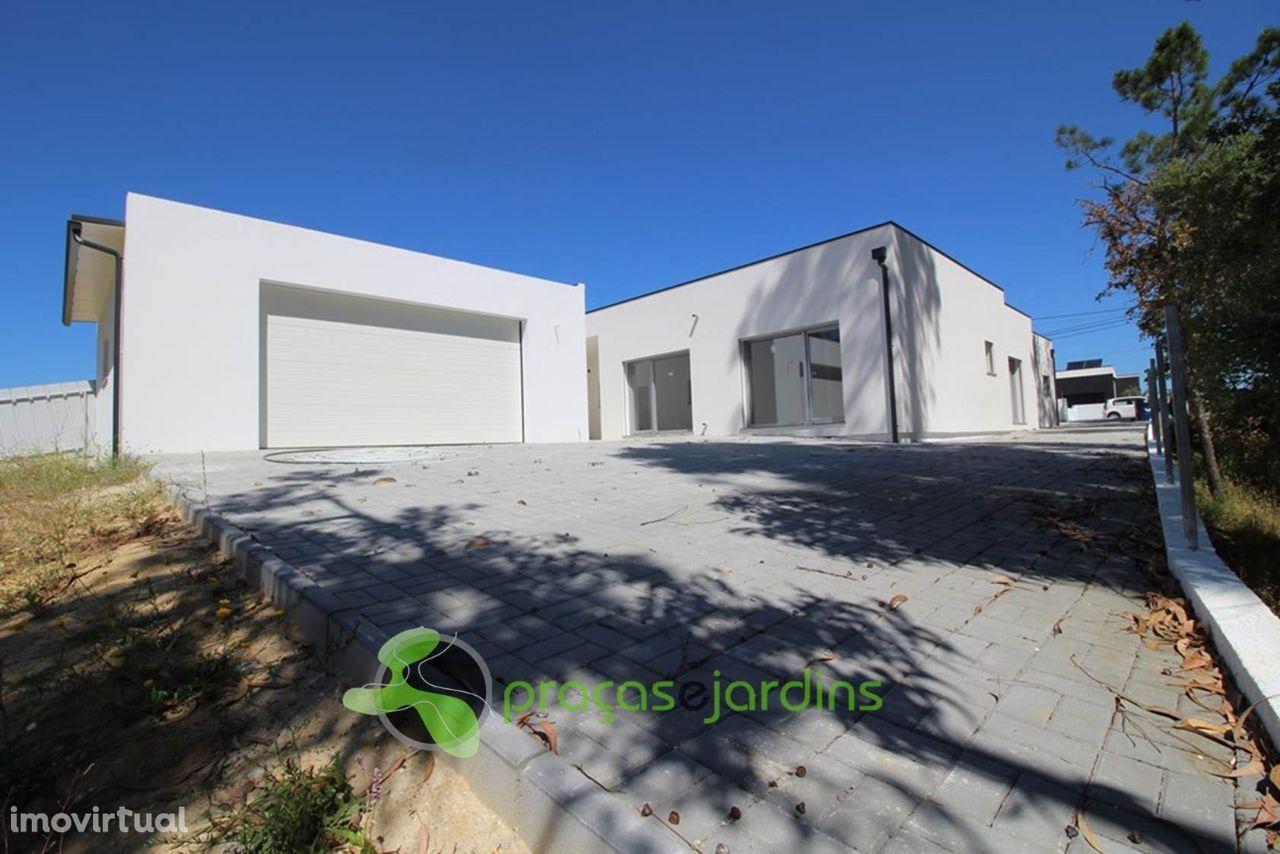 Moradia T4 térrea arquitectura contemporânea (flD1559A)