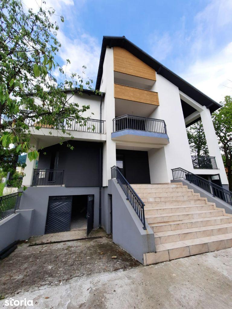 Zona Rezidentiala de case - Ap. 3 camere 92 mp utili + curte 100 mp
