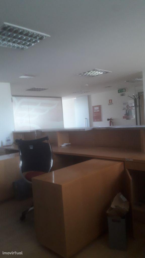Escritório com ar condicionado, 300m2 Av. da Boavista-Porto