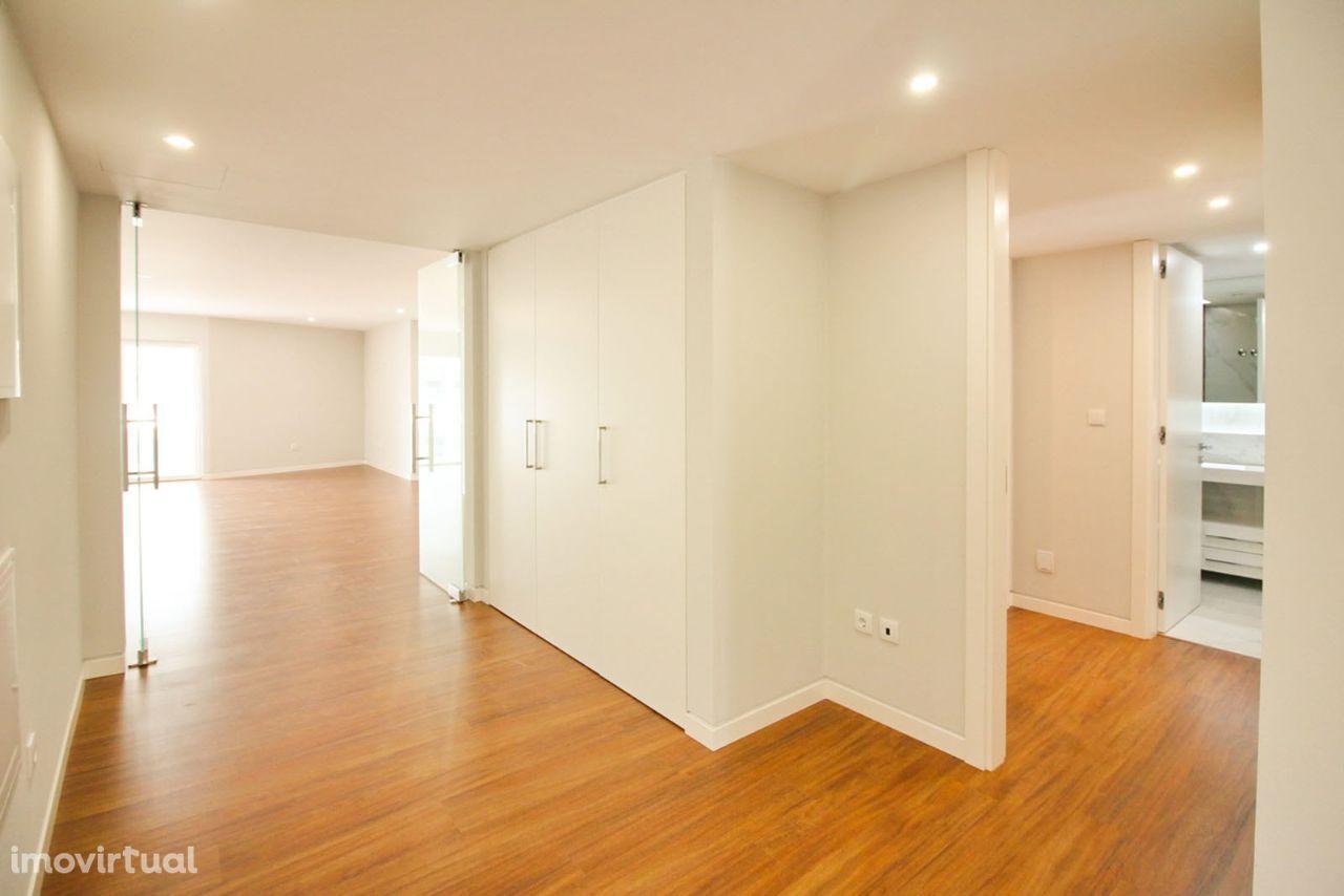 Apartamento T3 novo para venda em Carcavelos