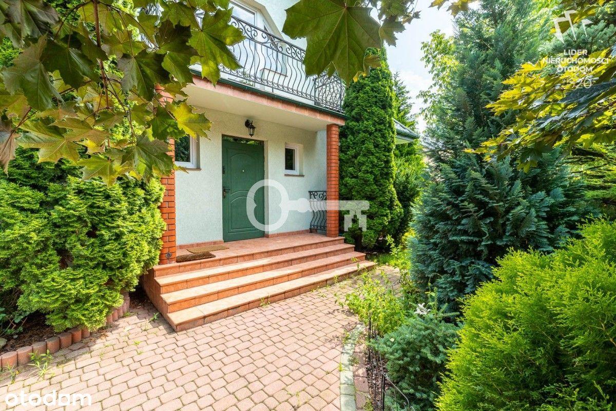 Rodzinny dom w cichej okolicy Piaseczno
