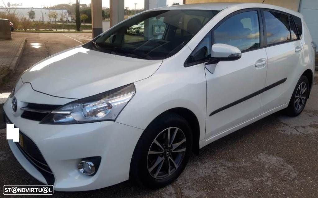 Toyota Verso 2.0 D-4D Exclusive i-Motion - 2