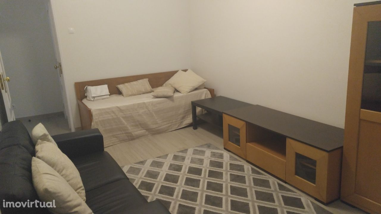 T1 Equipado e mobilado Moscavide