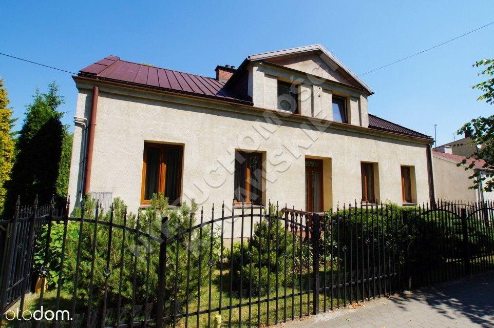 Piętrowy dom 144,7m2, garaż, budynek gosp., Lipno