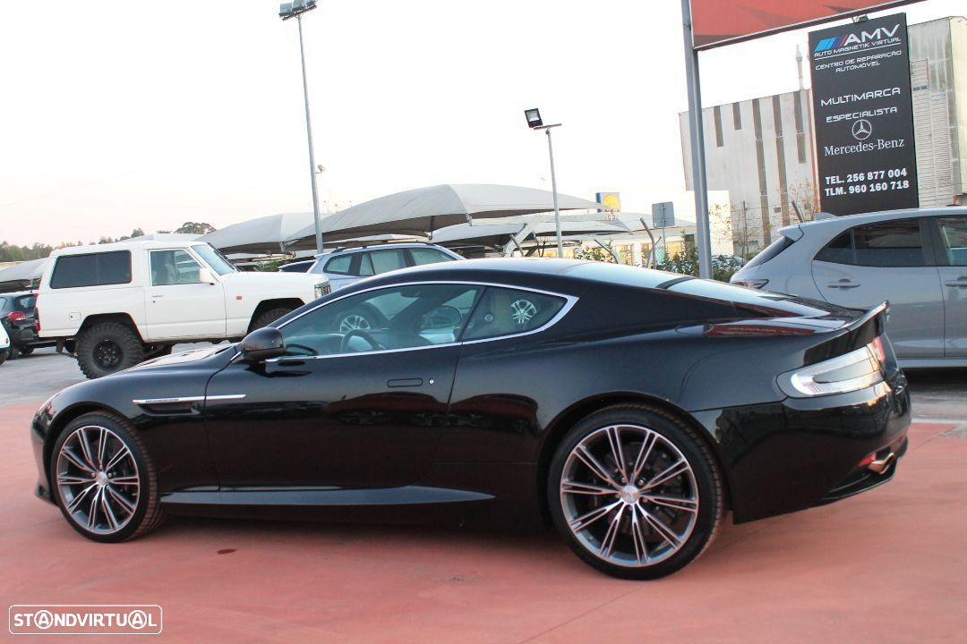Aston Martin DB9 Coupe - 3