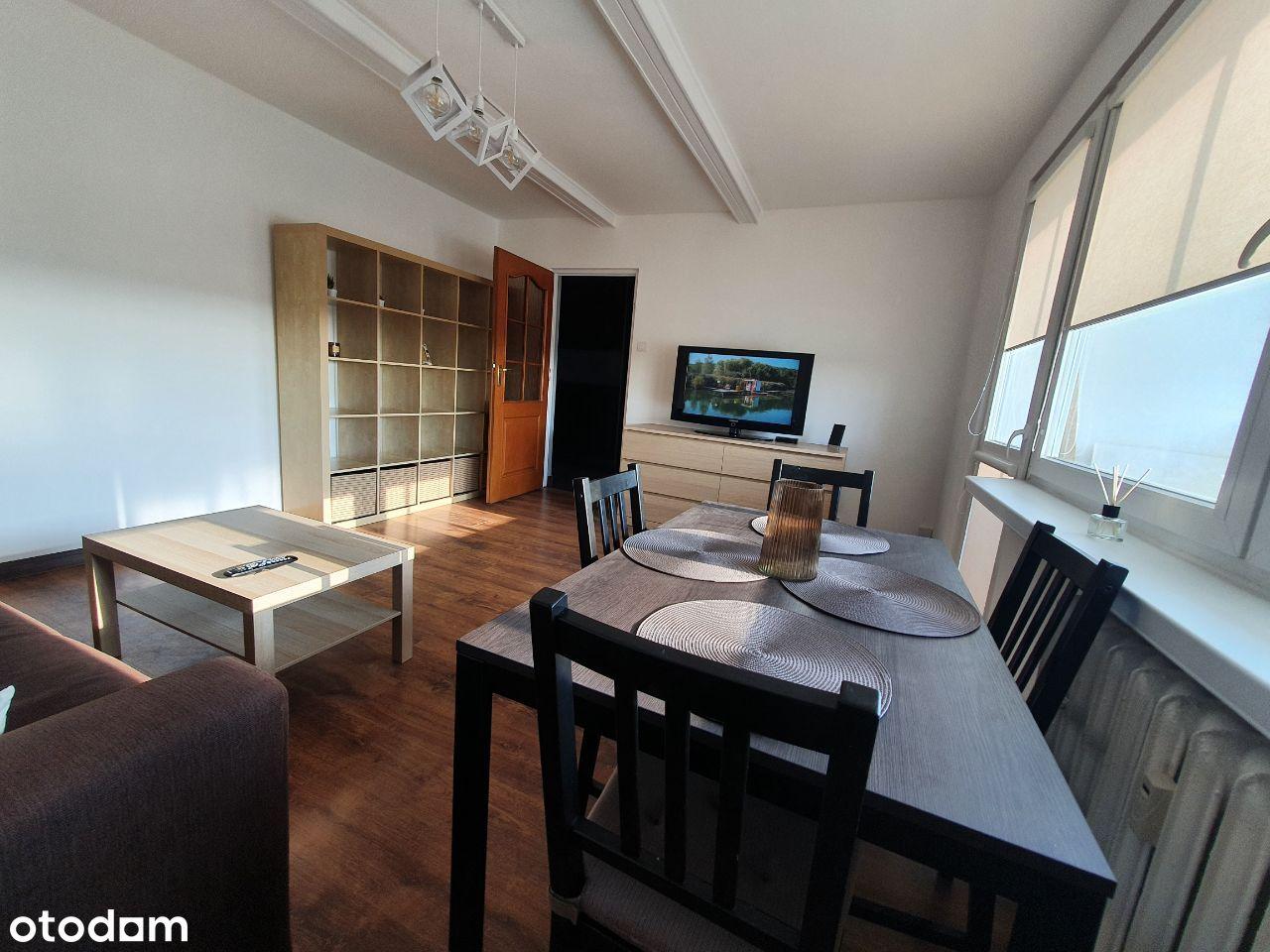 Przestronne (51m) przytulne rozkładowe mieszkanie