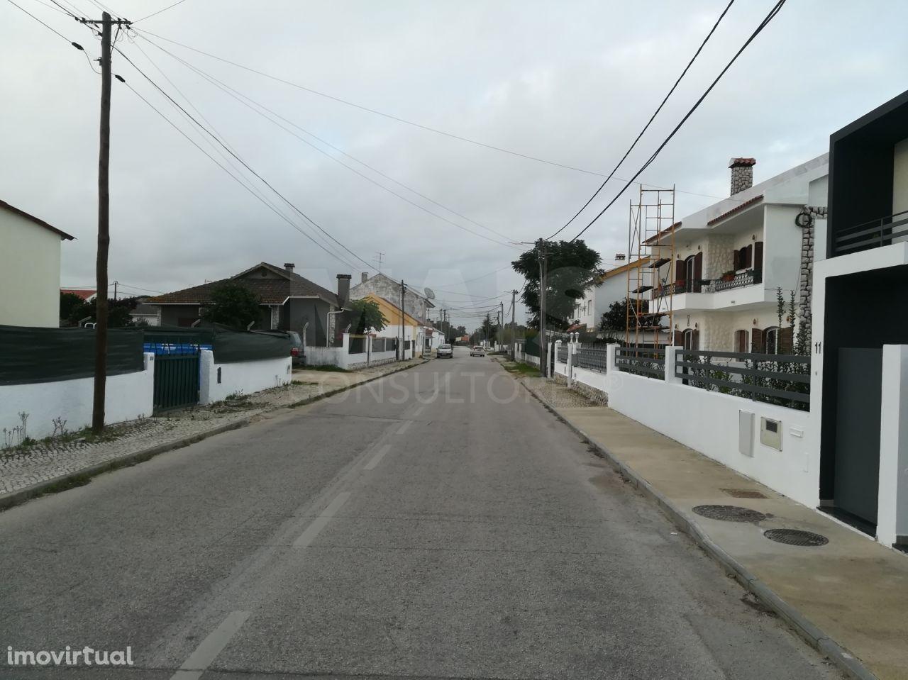 Terreno urbano para construção de moradia na Quinta do Anjo