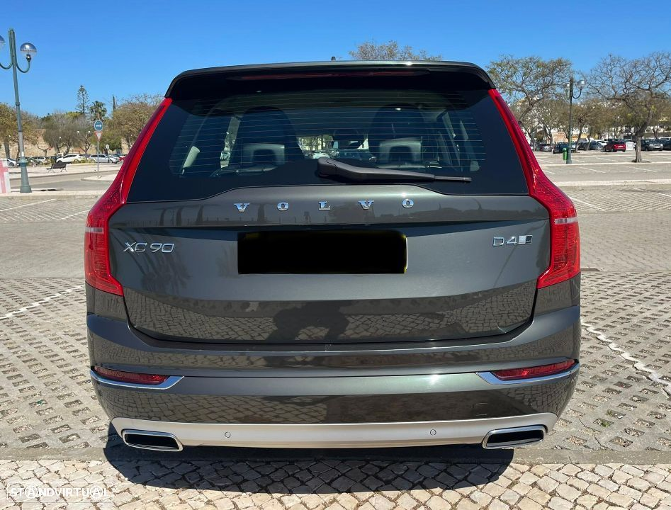 Volvo XC 90 2.0 190CV Inscription Geartronic AWD 7 Lugares - 4
