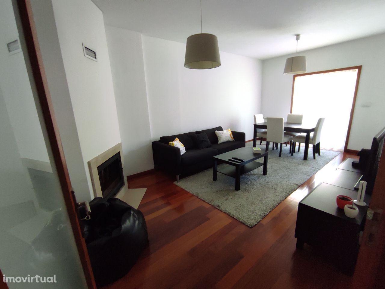 Apartamento T3 em Fraião junto ao Minho Center - último andar