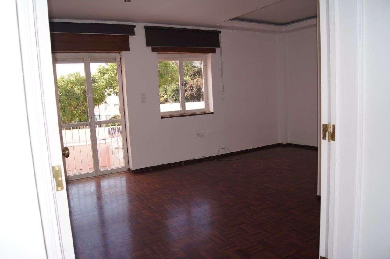 Apartamento para arrendar, Rua Francisco Duarte Pedroso, Algés, Linda-a-Velha e Cruz Quebrada-Dafundo - Foto 2