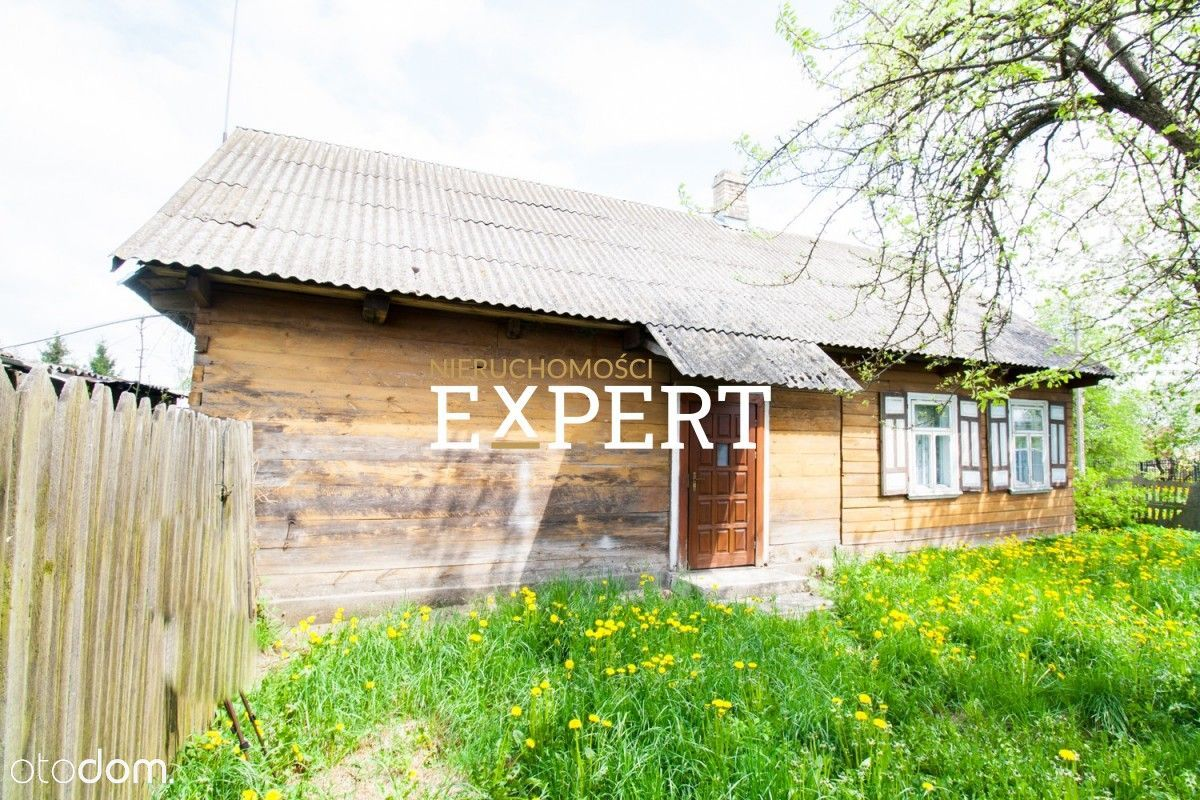 Drewniany dom na obrzeżach Hajnówki