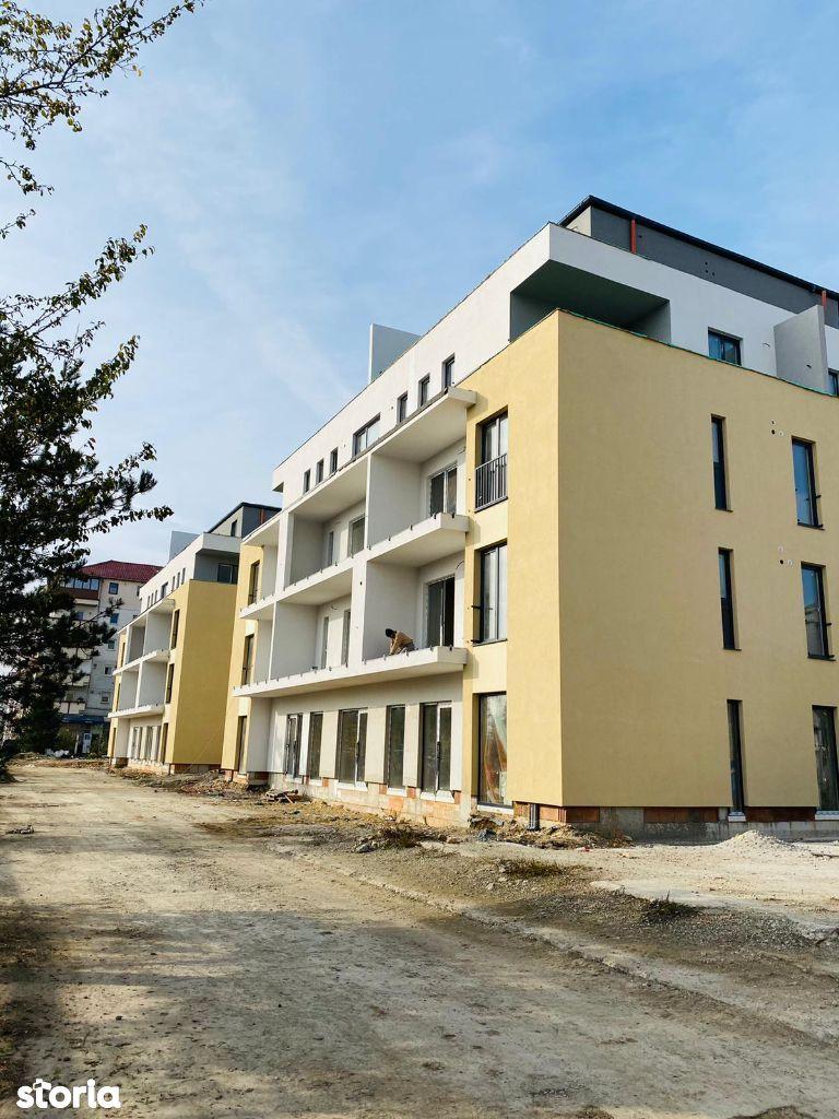 Garsoniera spatioasa, 40mp, terasa de 12 mp, zona Stefan Cel Mare