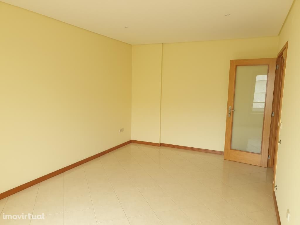 Apartamento T2 novo com garagem - V. P. de Âncora