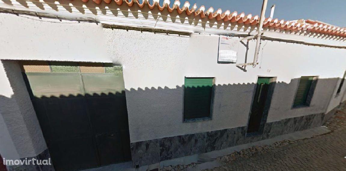 Moradia + Garagem Centro Vidigueira