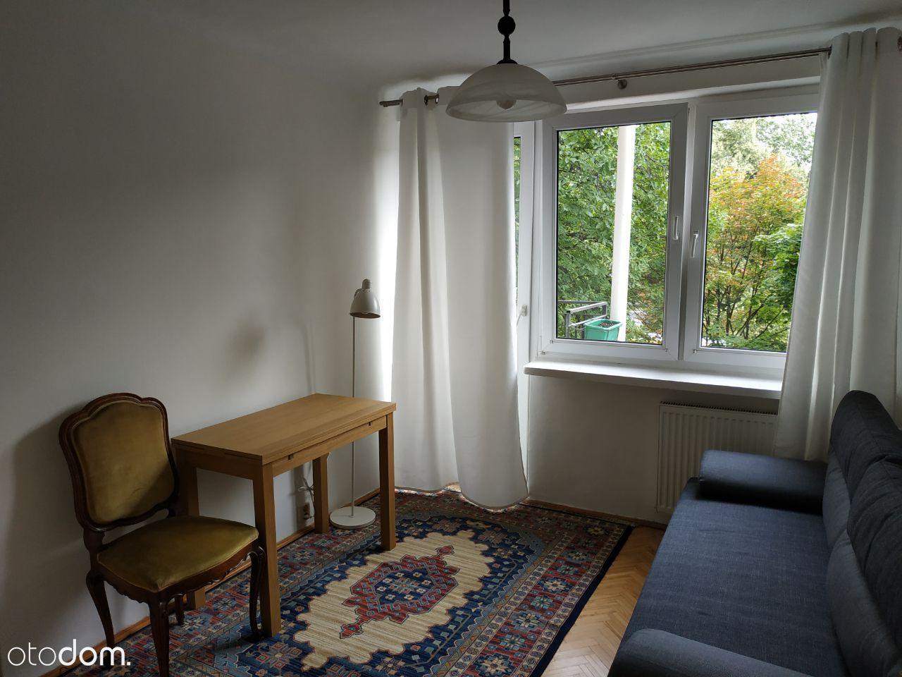Ładny pokój z balkonem, 5 min spacerem od UW i WAM