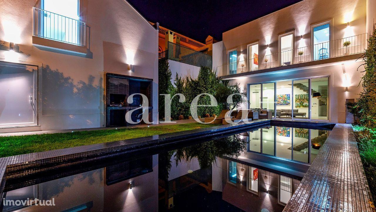 """EXCLUSIVO - """"Casa das Escadas"""" c/ piscina e loft na Figueira da Foz"""