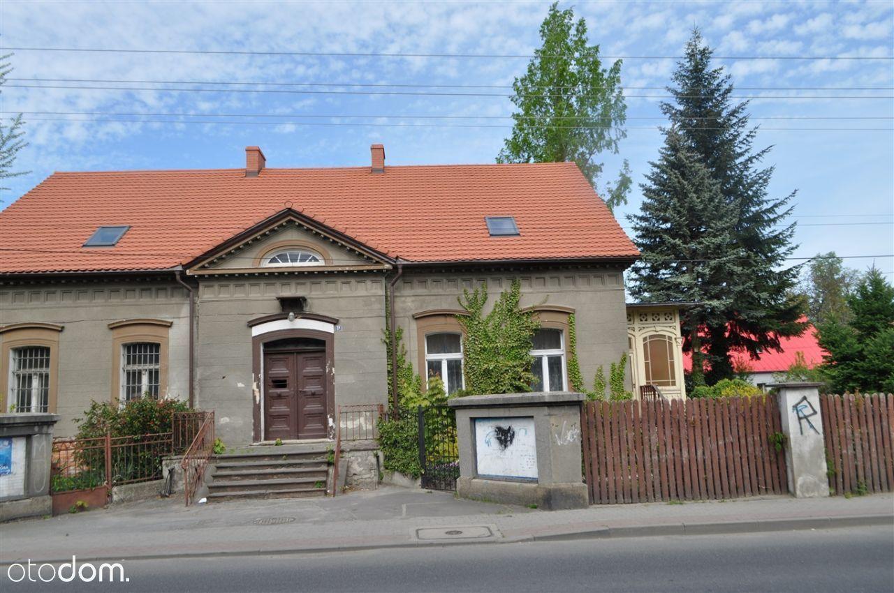 Budynek mieszkalno-użytkowy w Pieszycach.