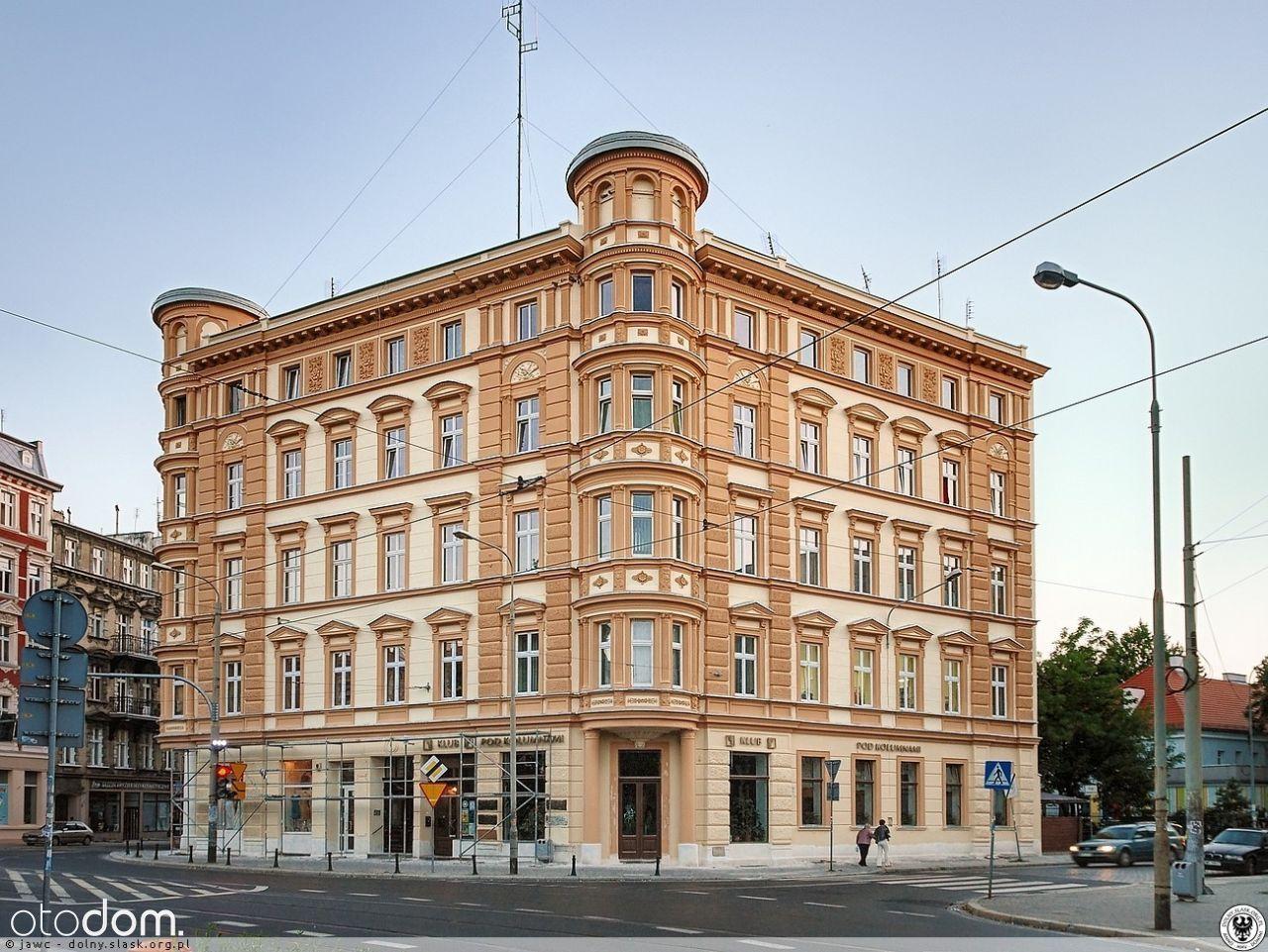 Biuro przy pl. Macieja w okazałej kamienicy