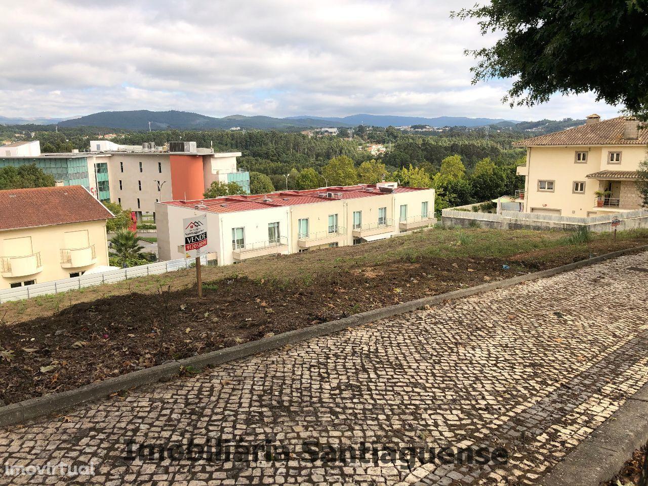 Vende-se Terreno no Centro de São João da Madeira