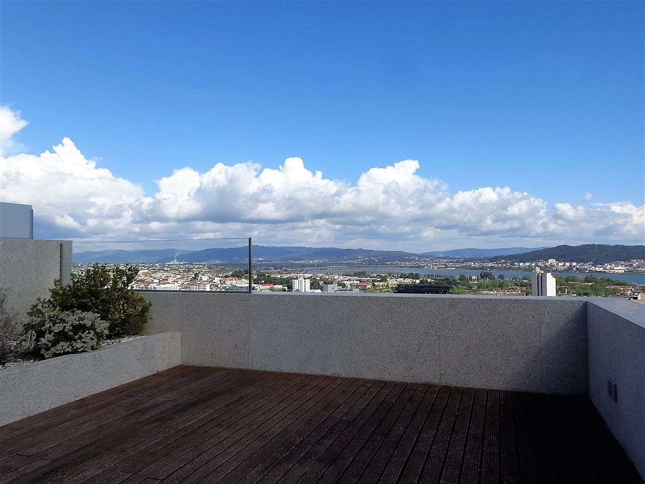 Moradia para comprar, Rua da Catalôa, Viana do Castelo (Santa Maria Maior e Monserrate) e Meadela - Foto 7