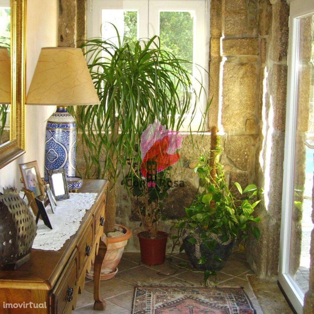Moradia rustica com cerca de 200 anos restaurada T3