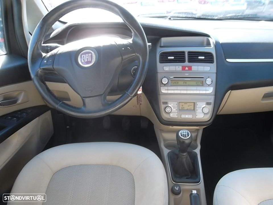 Fiat Linea 1.3 M-Jet Emotion - 12