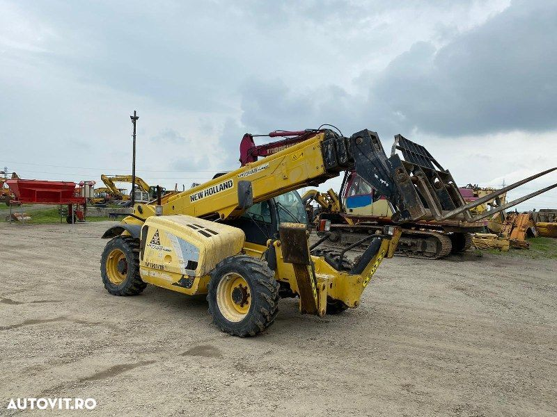 New Holland LM 1745 - 1