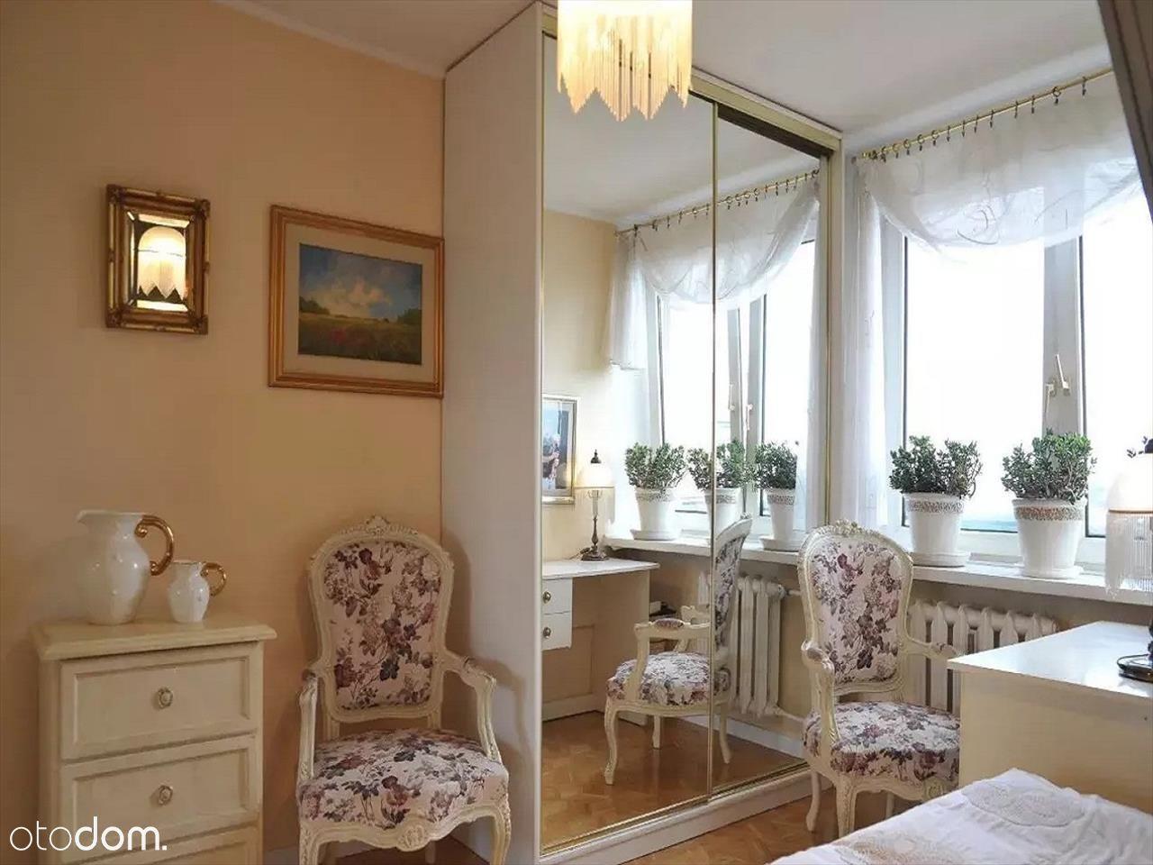 Piękne dwupoziomowe jasne mieszkanie po remoncie