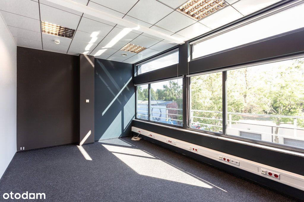Biuro z dużą ilością parkingów - od zaraz
