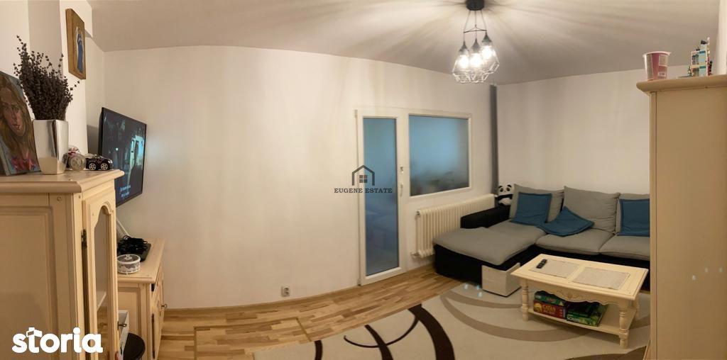 Apartament spatios, 4 camere la parter