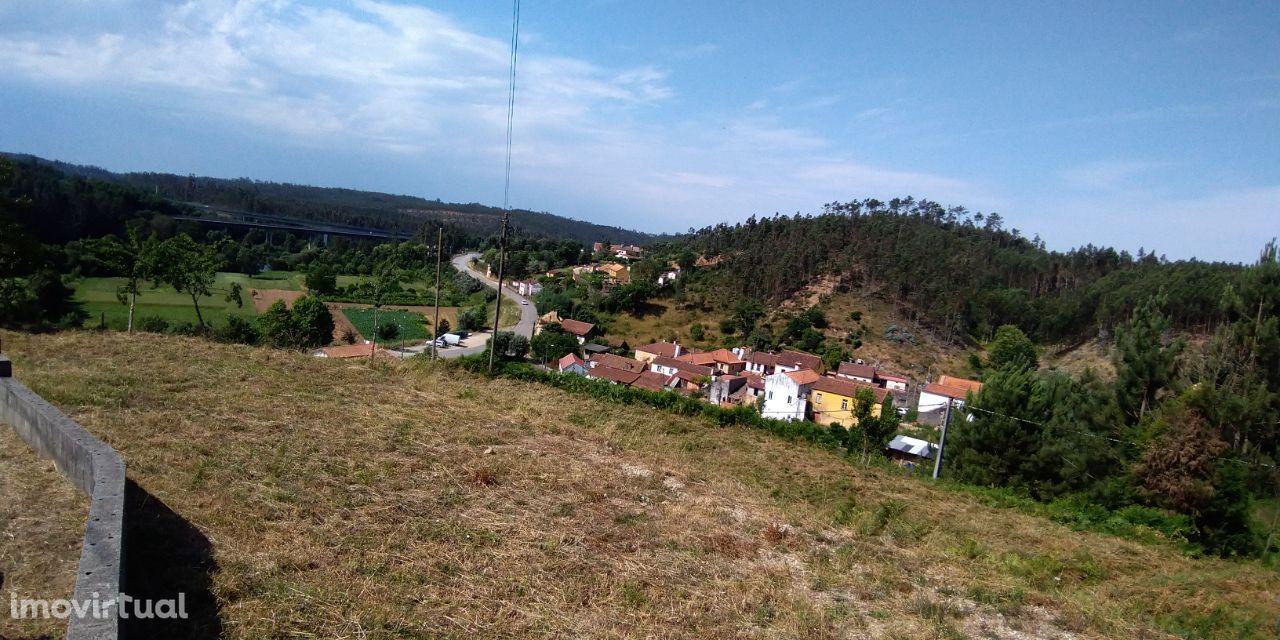 Terreno com fantástica vista rio com projeto de Moradia aprovado