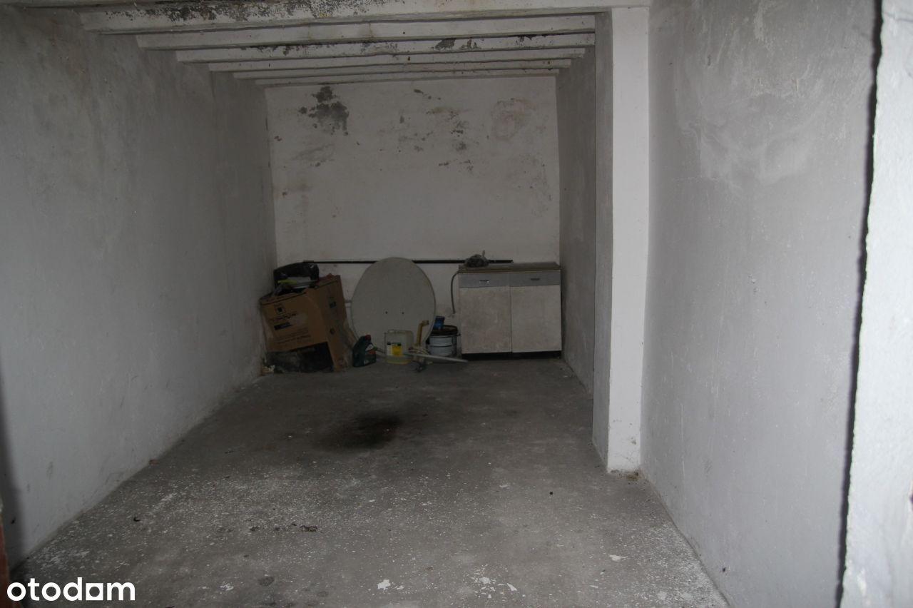 Garaż murowany w centrum miasta
