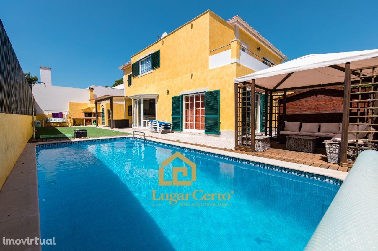 Excelente moradia T4 piscina perto da praias da Lagoa de Albufeira